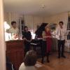 Concerts de la Plaisante, Pully 6 janvier 2018. Anne Borloz présente (de gauche à droite) Matthew Chin, Yu Cheng et Adam Leites. Photo Doni