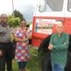 Séverine Mfuyi, Bafwa Mungengay et Narcisse Niclass devant le camion qui partira à Kinshasa en septembre. Photo DR